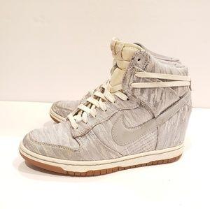 Nike womens size 7 585560-101 sky hi